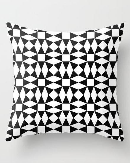 Black and white triangle pattern Throw Pillow